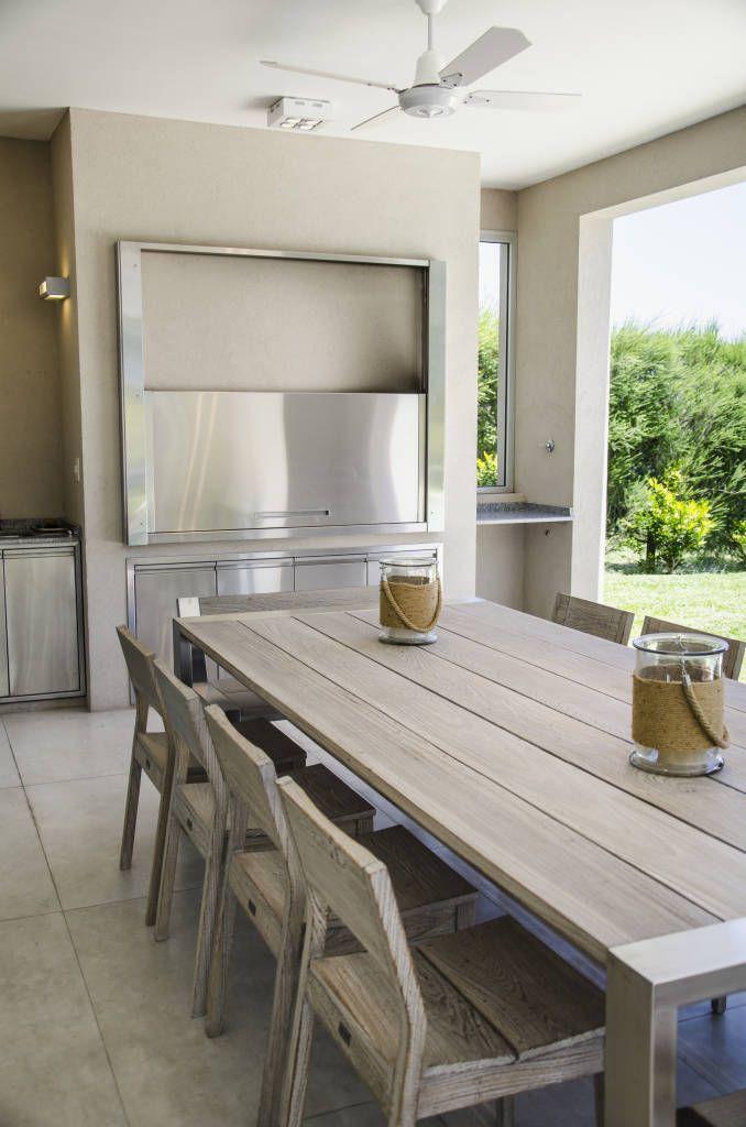 Mirá imágenes de diseños de Casas estilo Moderno} parrilla