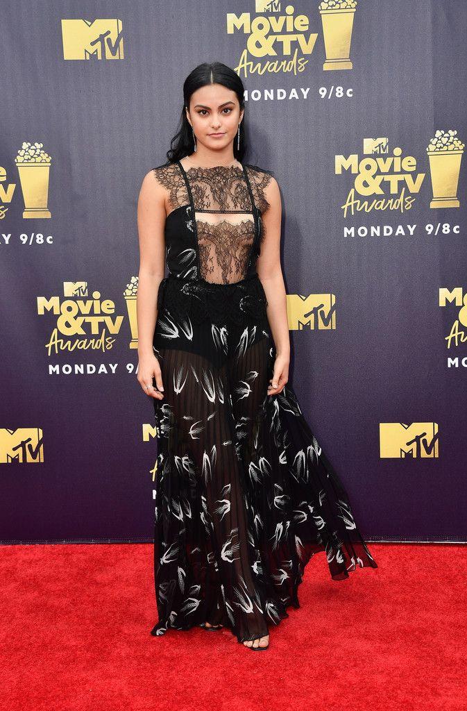Robe Transparente Camila Mendes Robe Transparente Mode Tapis Rouge Idees De Mode