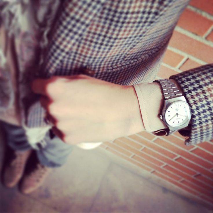 """""""Casual but classy"""" è il blazer pied de poule e il look total silver di #MantaVintage"""