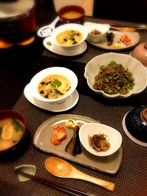 おかひじき シーチキン 玉ねぎ1/4 をシーチキンの油揚げで炒めシソドレッシングで味付け - 5件のもぐもぐ - チンジャオロース、蕪蒸し、黄身のマヨネーズ和え、キムチ、茄子の浅漬け、おかひじきの炒め物、セレベスと小松菜の味噌汁 by ochiheko