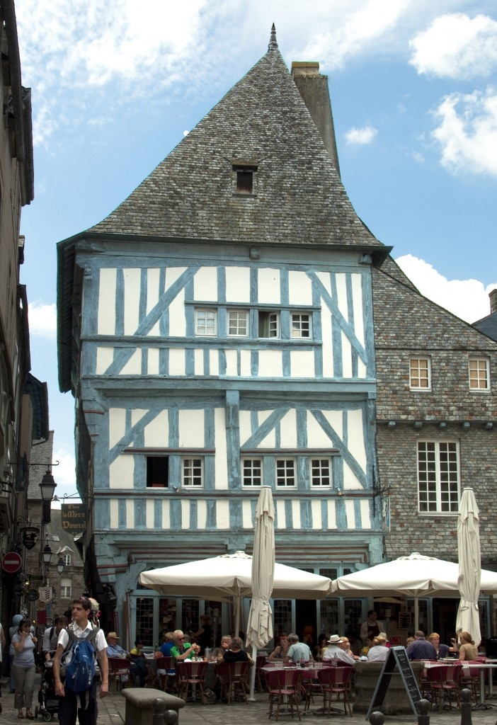 Dinan: A wonky old house built in the 1600s on Place des Merciers (Weavers' Square)