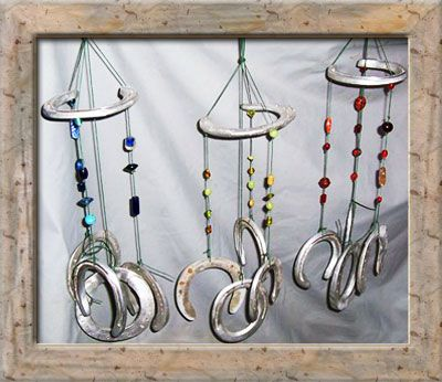 Horseshoe wind chime My little sister is obssesed with horses. This is te perfect preset for her sense she loves to hang things all over her room. Brilliant! And her birthdays coming up!!