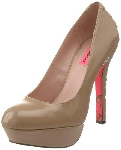 Betsey Johnson Women's Dita Platform Pump... need these!