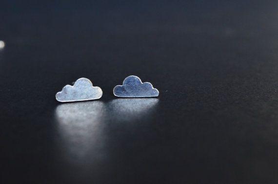 Orecchini con nuvola in argento 925 a lobo  fatto a mano, orecchino leggero,nuvoletta pioggia