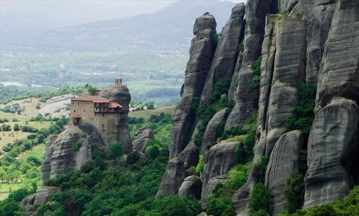 Os Místicos Mosteiros de Metéora. O Mosteiro Sagrado de São Nicolau Anapausas.