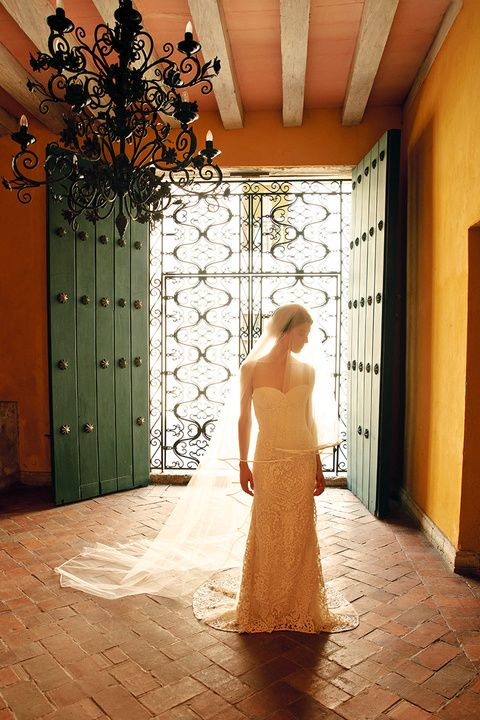 boda danielle corona y felipe echavarria  Such a beautiful dress