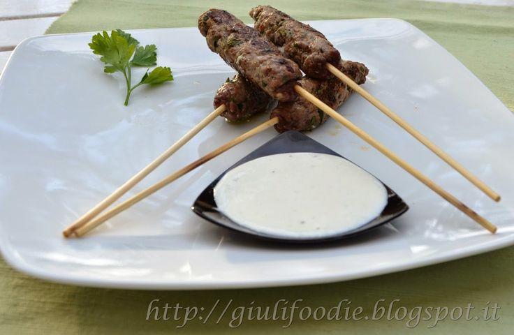 kebab di manzo con salsa tzatziki - Cotto e Postato