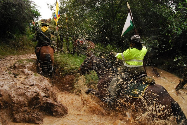 No importa que llueva, truene o relampaguee, nuestros policías llegan a todos los rincones del país.