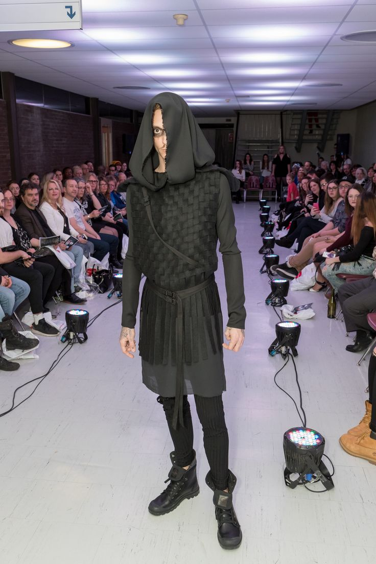 #ByTheSin #ModernSamourai #FashionDesigner #MadeinQuebec https://www.facebook.com/Ecoledemodecndf/ #lecndf #modecndf #écoledemode Crédit photo: Jean Rodier