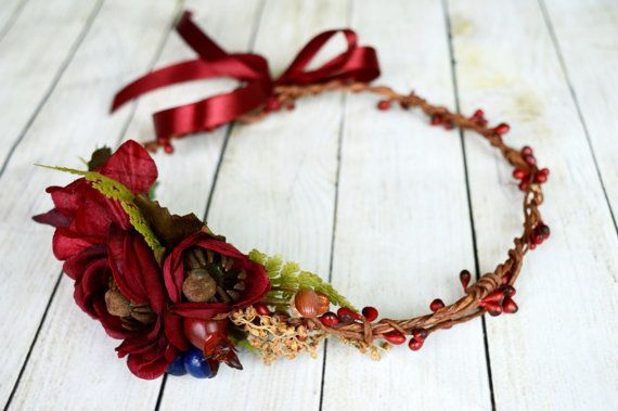 Flower head wreath in red brown colors. Perfect for rustic, country, barn or fall wedding. This ranunculus hair crown is made using silk flowers and