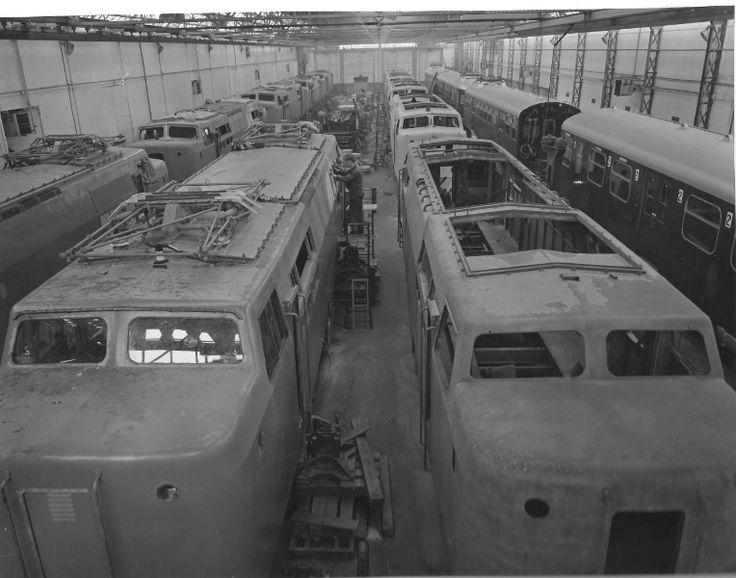 Werkspoor treinenfabriek Utrecht - Loc serie 1200. De Werkspoorfabriek voor rollend materieel is in 1972 gesloten. De productiehal was in 1968 nog volledig vernieuwd en vond tot 1972 plaats in het pand Vlampijpstraat 79 Utrecht. Daarna is ze sporthal geweest en heeft nu diverse functies o.a. KidCity.
