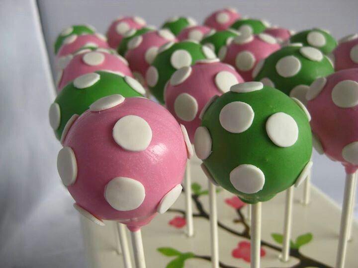 how to make polka dot cupcakes
