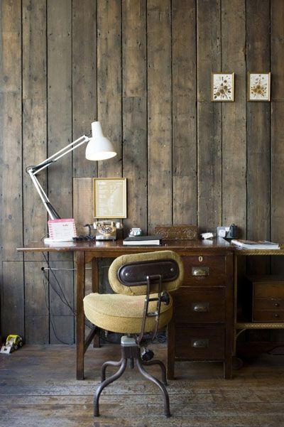 Wooden wall #wood #deskOffices Spaces, Work Spaces, Work Desks, Workspaces, Wooden Wall, Home Offices Design, Wood Wall, Design Offices, Rustic Home
