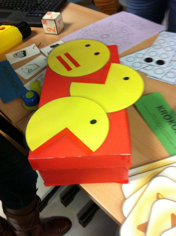 pacman: leuk om >, < en = aan te leren!   --> idee van materialenbeurs 1ste leerjaar op school!