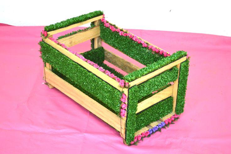Martina vega: Amante de lo verde. #delasantagana #reciclaje #regalo #diseño #accesorios
