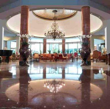 Hotel Intercontinental Madrid: el mejor servicio, cercano y profesional, en el mejor ambiente posible, con todos los mimbres de sus 5 estrellas.