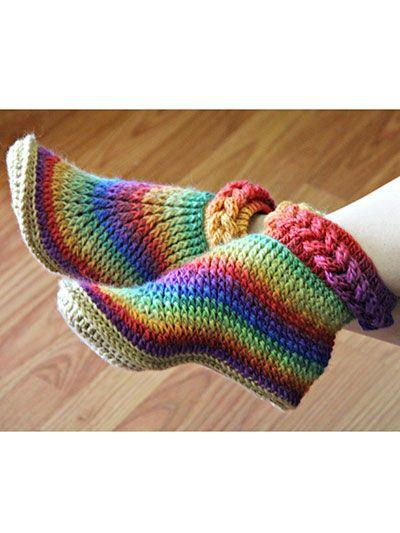 Sapatilha em crochet com trança.