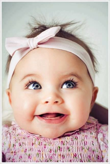 This pic so reminds me of Bree as a baby. Sandy brown hair and blue eyes.