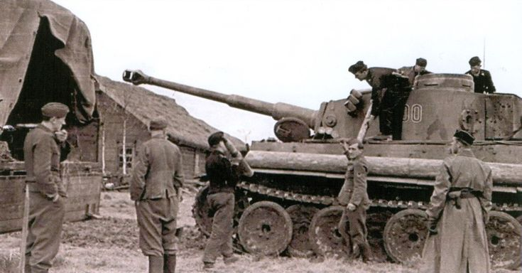 Tiger tank replenishes its ammo during the Battle of Kursk, summer 1943.