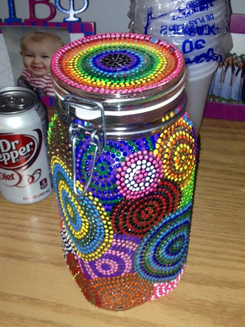 Decorating a jar with puffy paint