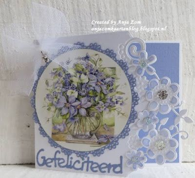 Handmade card by DT member Anja with Creatables Flower Corner (LR0428), Gefeliciteerd (LR0220) and Craftables Basic Round (CR1331) from Marianne Design
