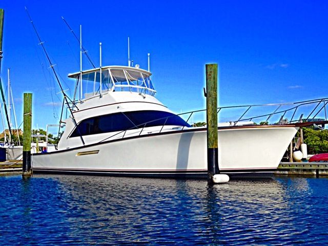 BETTER THEN ANY HOTEL IN KEY WEST HANDS DOWN 👍 As the name suggests Key West Livin' this is the only way To truly experience what Key West is all about. Stay aboard this 50 foot Ocean Super Sport Yacht instead of a hotel ...