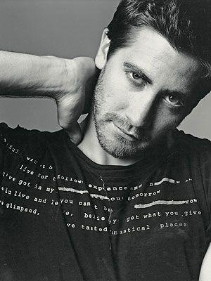 Jake Gyllenhaal. GAH. He is SO EFFING HOT.