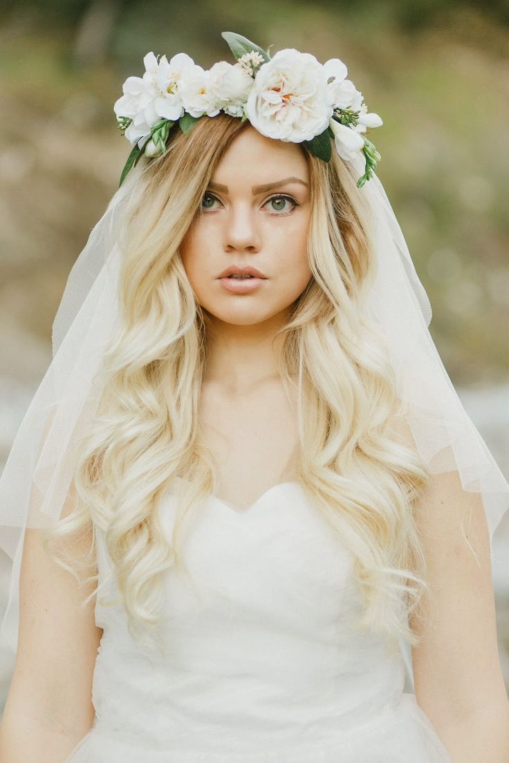 71 best Veils, Crowns and Wedding hairstyles images on Pinterest ...