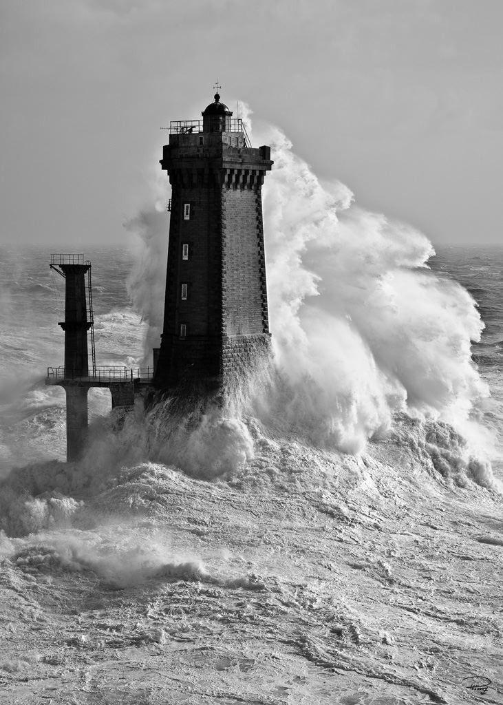 Tirages d'art Phare de la Vieille - Finistère - Bretagne Philip Plisson