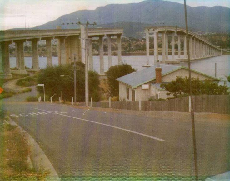 1975 The ship Lake Illawara hit the Tasman Bridge and caused it to collapse.