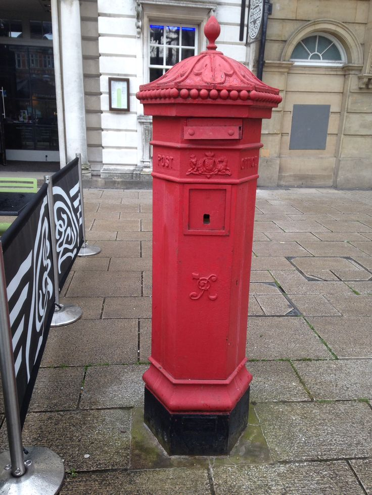 Disused Victorian pillar box, Stafford town centre. Photo by Jacquelyn MM.