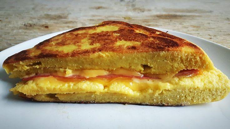 Ik ben súper gek op tosti's! En wie niet eigenlijk? Het enige nadeel: veel koolhydraten. Natuurlijk kun je ook tosti's van koolhydraatarm brood maken, maar dat heb ik lang niet altijd i…
