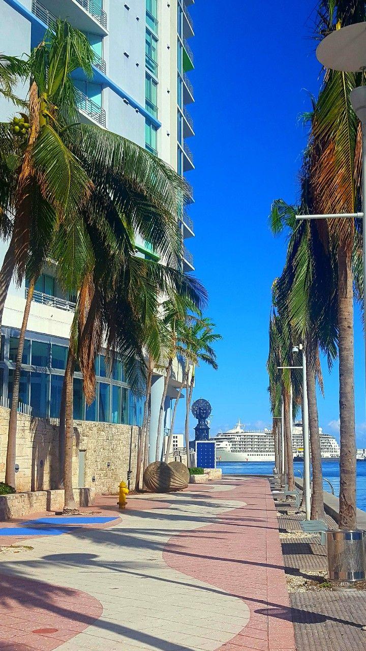Miami Downtown Finally Got To Go Such A Beautiful Place Miami Travel South Beach Florida Miami Beach Fl