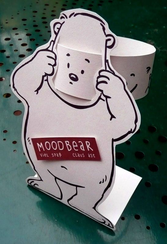FREE PRINTABLE MOODBEAR - Great for discussing emotions! Draw faces on the back of the face slip to talk about facial features.