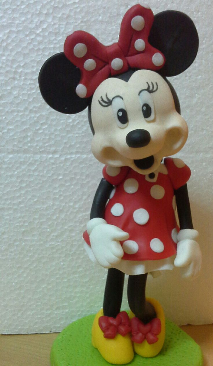 #Minnie #PorcelanaFria #JulianCreaciones #AdornodeTorta