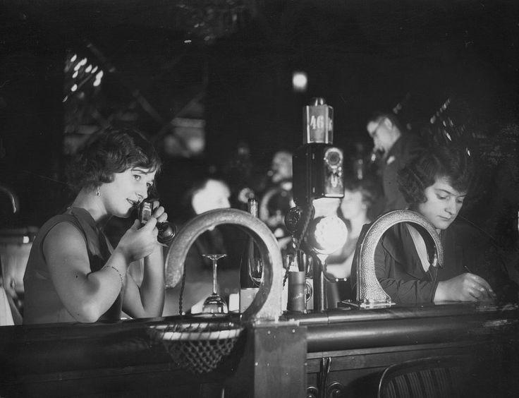 Flirting in the Resi, 1930—peep the pneumatic tubes! | People in 1920s Berlin Nightclubs Flirted via Pneumatic Tubes