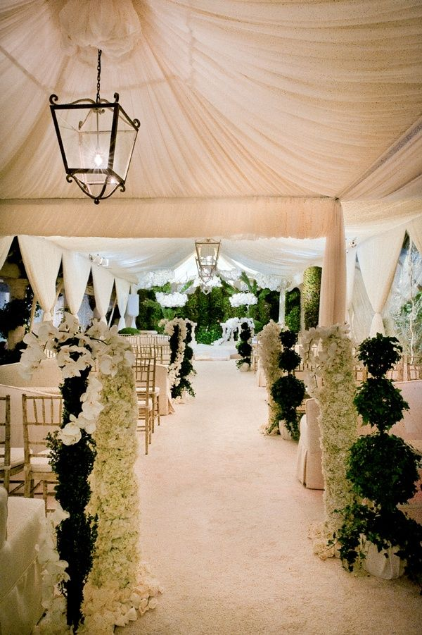 15 gorgeous aisles to inspire http thebridaldetective for Aisle wedding decoration ideas