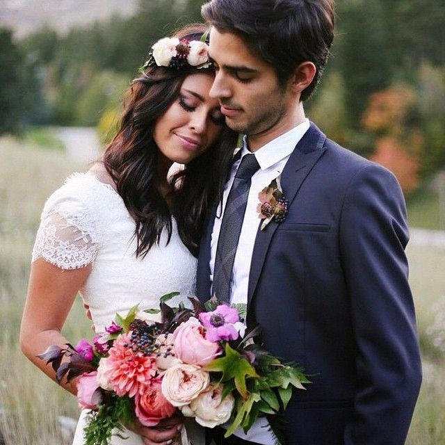 "#loveauthentic #loveintentionally ""Love is a thing that you can't define. Though you try with all your might through the riddles and rhymes. It'll fly you like a kite, it'll throw you to the ground. But that's the best thing I have found."" - Noah Gundersen ​#bettertogether photo by @mandinelson florals by @ashleylbeyer"