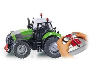 The 1/32 Deutz Fahr Agrotron RC Tractor from the Siku 1/32 RC Tractor range - Discounts on all Siku Diecast Models at Wonderland Models.