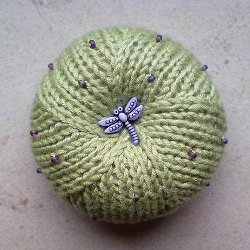 Knitting Pattern Pin Cushion : Pin by Maureen Chang on Knitting & Crochet Pinterest