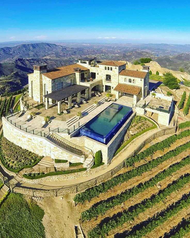 """Malibu Rocky Oaks (The mansion featured in the movie """"The Hangover 3"""")"""