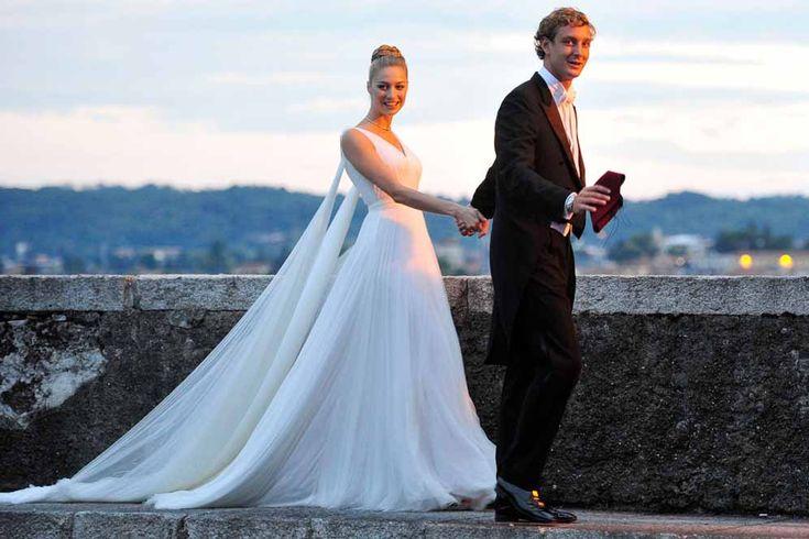 Pierre Casiraghi e Beatrice Borromeo, il matrimonio religioso e le feste principesche. Tutte le foto   People #beatriceborromeo #pierrecasiraghi