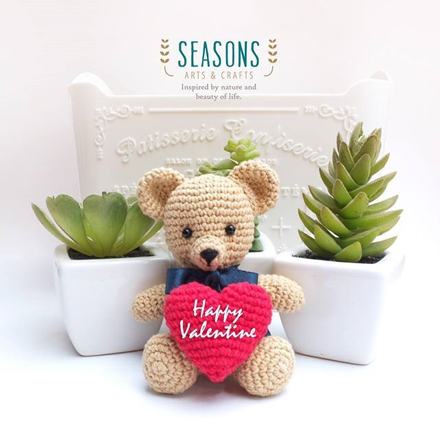 Brightest day, happy feelings, unforgetable moment. Happy Valentine! Brought to you this amigurumi bear with red heart. Contact us for order. Tutorial can be found at amigurumitogo.com.  #crochetbear #amigurumibear #happyvalentines #dollbear #amigurumi #jualamigurumi