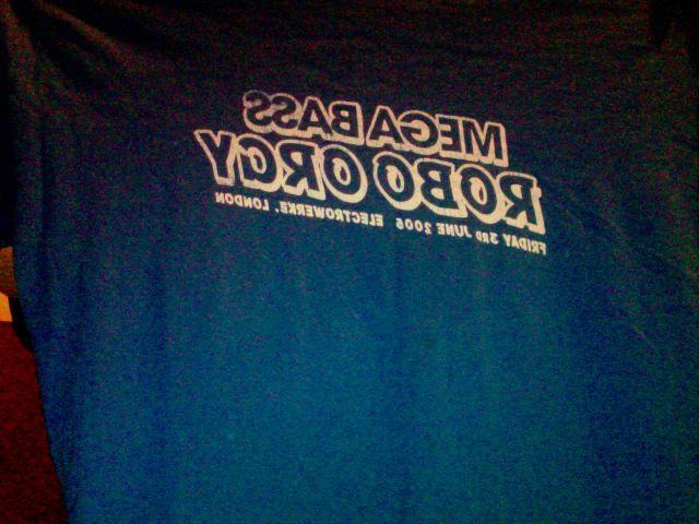 megabass robo orgy 2005 t-shirt, slightly faded (size L)