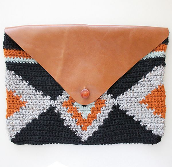 Crochet patter - crochet clutch bag tapestry crochet stitch | Mollie Makes