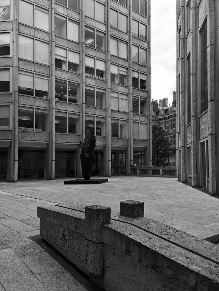 Economist Building 3, St James's, London, Alison and Peter Smithson, 1959-1964