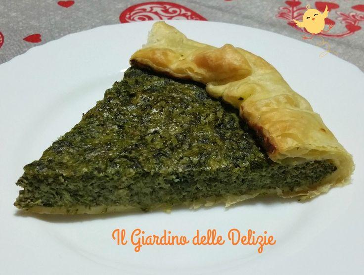 La sfoglia agli spinaci, con ricotta e formaggio, è una semplicissima torta salata che ricorre spesso sulle nostre tavole durante la Pasqua ed in primavera.