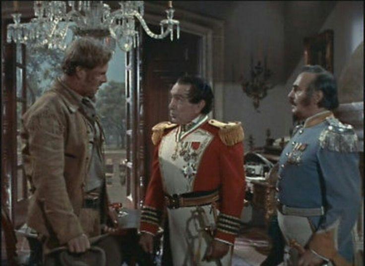 Sterling Hayden as Jim Bowie & J. Carroll Naish as Gen. Santa Anna