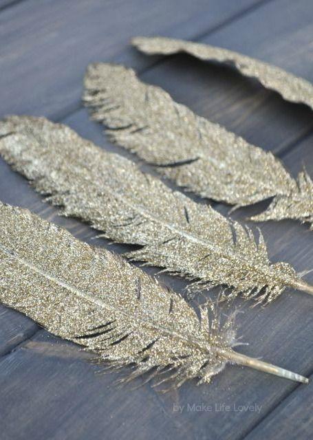 liebelein-will, Hochzeitsblog - glitzernde Federn für die Hochzeitsdeko