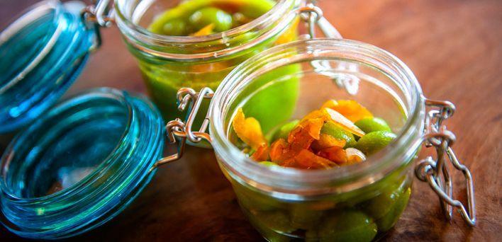 Sferico di asparagi.  Per leggere la ricetta: http://mybusiness.bormioliroccocasa.it/mybusiness/it/home/Idee-e-Consigli/happy-hour/sferico-di-asparagi.html